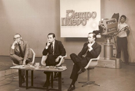 Tiempo Nuevo 1970 - Los dos giles y un invitado (faltó la planta) - Foto: www.bernardoneustadt.org