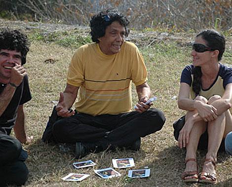 Yoani Sánchez (D), su esposo, Reynaldo Escobar (C), y el rockero Gorki Águila.| Iván García.