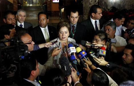 La secretaria de Exteriores de México, Patricia Espinosa, contestando sobre el asunto. | Efe