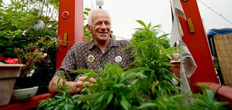 Dennis Peron, defensor de la legalización de la marihuana. Isaac Hernández