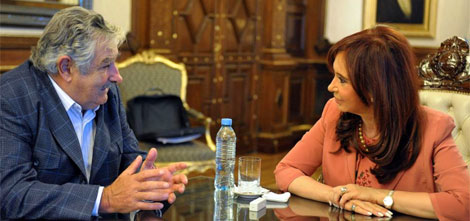 Mujica y Cristina Kirchner durante la reunión en la Casa Rosada. | AP
