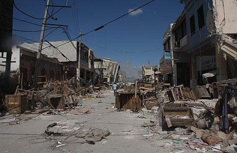 """Vacío desolador en una calle de la zona """".   Jorge Barreno"""
