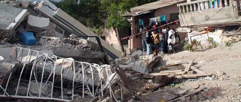 Imagen de la casa, de donde fue rescatada la bebé.   J. Barreno