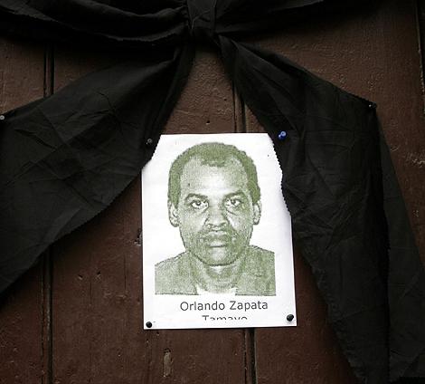 La imagen de Zapata bajo un crespón negro. | AP