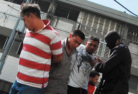 Tres Pandilleros Detenidos Por Sus Vnculos Con El Asesinato De Poveda