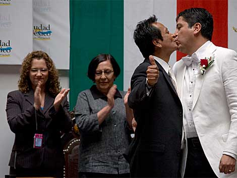 David González y Jaime López celebran su matrimonio en la capital mexicana. | Saúl Ruiz