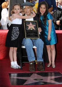Hopper junto a su hija y su nieta.| Afp