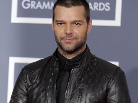 Ricky Martin recibiendo un premio Grammy en enero. | AP