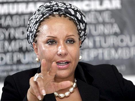 La senadora Piedad Córdoba toma la palabra durante una rueda de prensa en Ginebra. | Efe