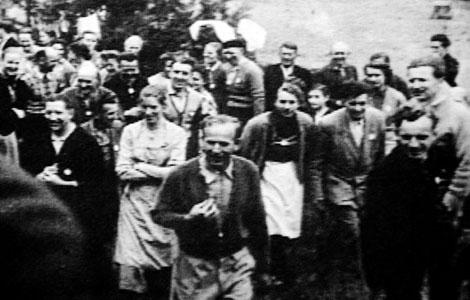 La secta Dignidad en los '60. El líder fue acusado de pedofilia y secuestro.   ELMUNDO