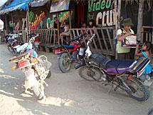 Vista de los 'prostibares'. | Asoc. Huarayo