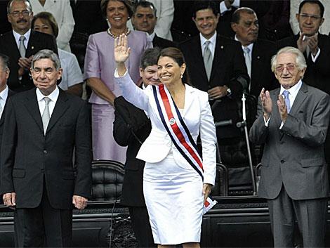 La nueva presidenta Laura Chinchilla tras ser investida como mandataria. | Efe