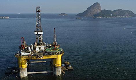 Una plataforma industrial en Río de Janeiro. | EL MUNDO