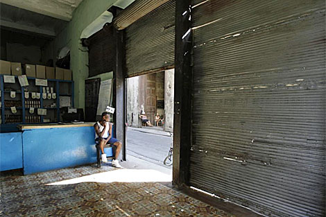 Una bodega en La Habana Vieja. | Reuters