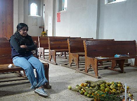 Eufrosina Cruz, en la iglesia de su pueblo, en Oaxaca.   Marta Gómez-Rodulfo