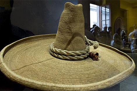 cbe2ec3fb8611 Sombrero que perteneció al revolucionario mexicano Emiliano Zapata.