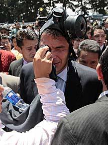 Correa, tras ser atacado con gases. | Efe