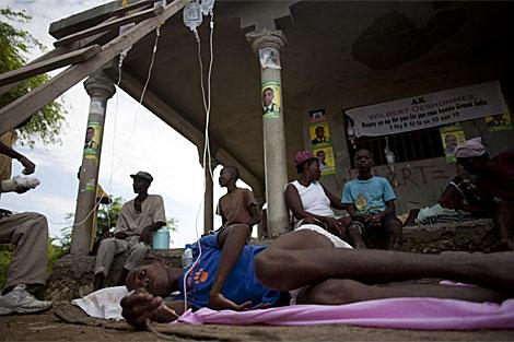 Enfermos de cólera en los centros asistenciales de Haití. | Efe