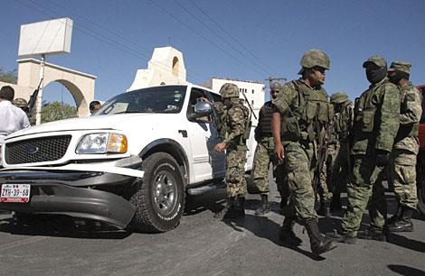 Varios soldados, este viernes en Matamoros. | AP