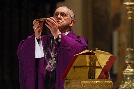 El cardenal primado de Argentina, el arzobispo Jorge Bergoglio. | Efe