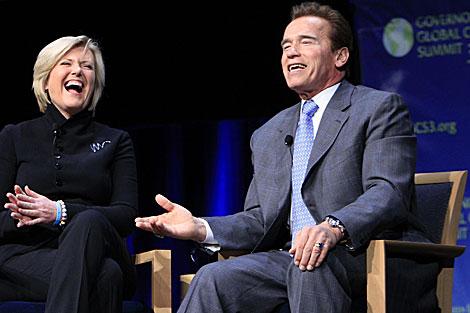 Arnold Schwarzenegger habla con Anne Thompson de NBC, sobre el cambio climático. | AP