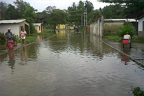 Las lluvias que azotan el país elevaron a 29 el número de muertos.| Efe
