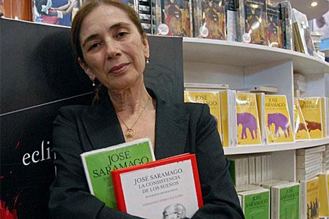 La viuda de Saramago, Pilar del Rio, en la FIL de Guadalajara. | AFP