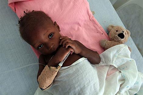 Un niño hospitalizado por cólera en Haití. | Efe