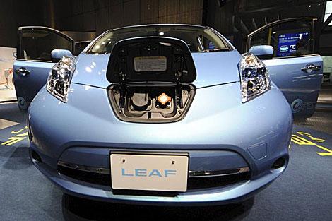 Automóvil cien por cien eléctrico Nissan LEAF. I Efe