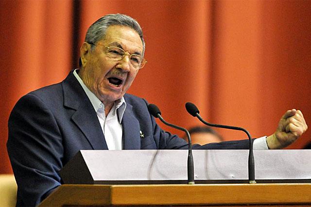 El presidente cubano Raúl Castro este sábado en la reunión del Parlamento. | Efe
