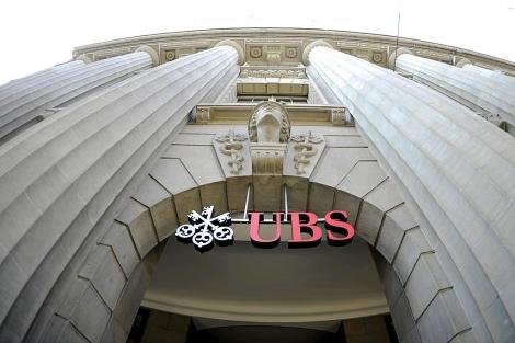 Fachada del primer banco suizo, UBS, en la ciudad de Zúrich.   Efe