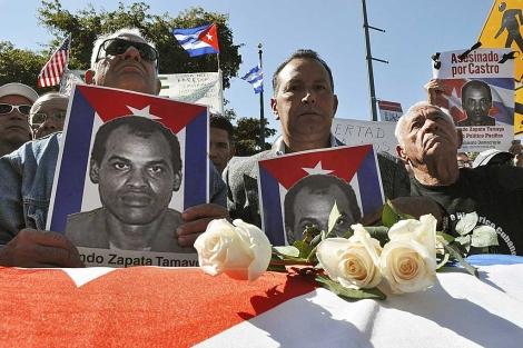 Manifestación de exiliados en Miami tras la muerte de Orlando Zapata.   Rui Ferreira