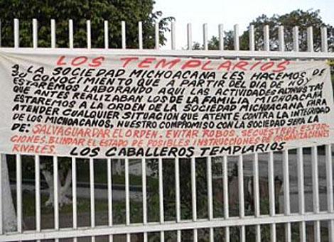 Uno de los mensajes hallados en Michoacán.   Milenio.com