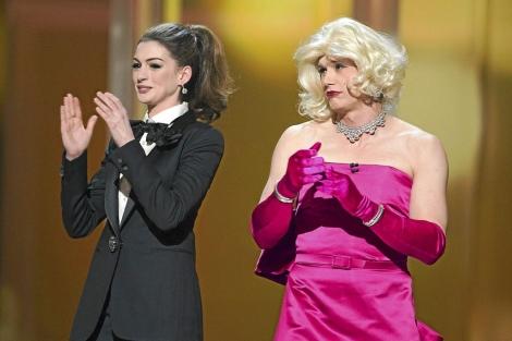 James Franco y Anne Hathaway durante la ceremonia.