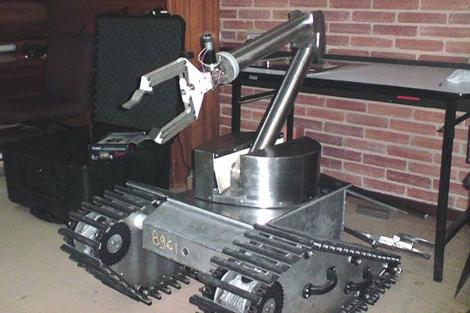 'Arcadio', un robot que desactiva minas antipersonales. | Universidad Javeriana