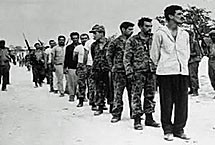 Brigadistas presos por las milicianos.