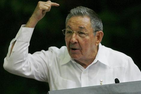 Raúl Castro durante el IV Congreso del Partido Comunista en La Habana.   AP