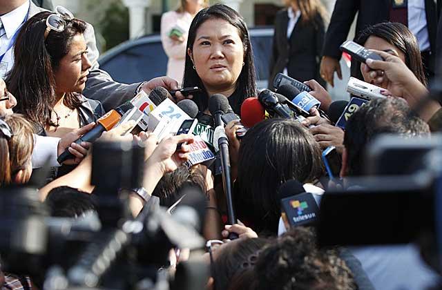 Keiko Fujimori declara ante la prensa en Lima. | Enrique Castro (Reuters)