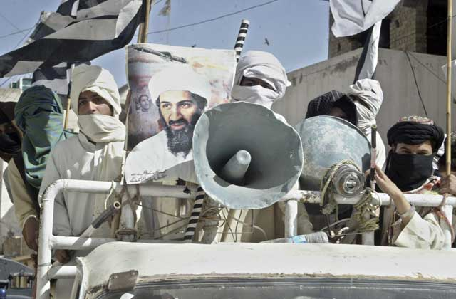 Seguidores de Bin Laden protestan contra las fuerzas militares estadounidenses en Pakistán. | Efe