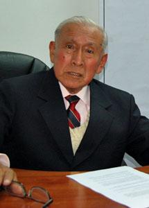 César Lévano, director del diario.   B. J.