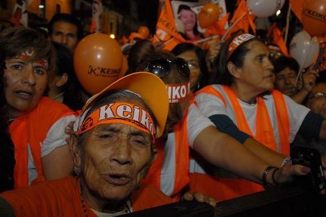 Margarita Paredes, de 90 años, anoche, en el cierre de campaña de Keiko.   Flor Ruiz