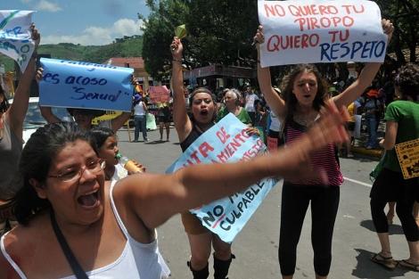 Un grupo de mujeres participa en la Marcha de las Putas en Matagalpa, Nicaragua. | Efe