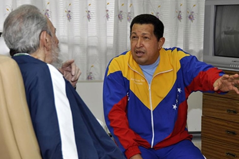 Hugo Chávez y Fidel Cástro el 17 de junio pasado. | Reuters