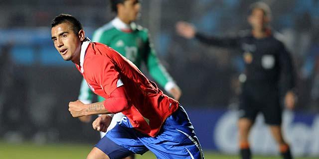 Arturo Vidal celebra tras marcar contra México. I Reuters
