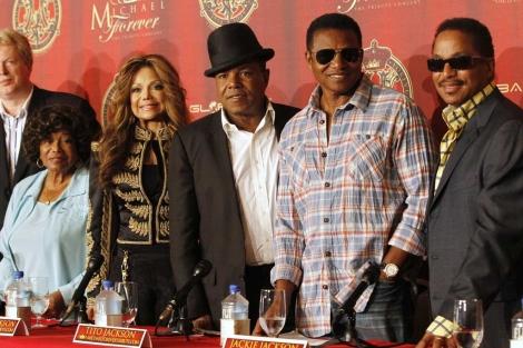 La familia Jackson durante una rueda de prensa en Beverly Hills. | Reuters