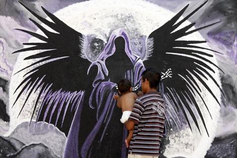 El culto a la Santa Muerte ha ganado seguidores entre los habitantes de Ciudad Juárez. | Efe