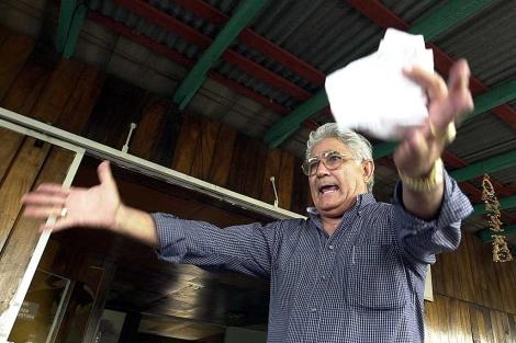 El ex guerrillero Edén Pastora durante una entrevista en Managua. | AP