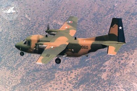 Un avión bimotor CASA de la Fuerza Aérea de Chile como el que se estrelló en las islas.
