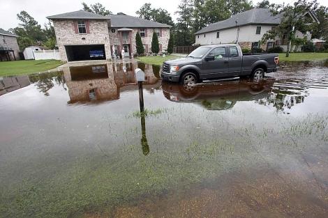 Un barrio totalmente inundado en la localidad de Slidell en Louisiana. | AP
