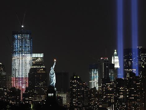 Prueba de luces para el aniversario del 11-S en Manhattan. | AP